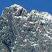 Die Gipfel von Groß- und Kleinglockner sind durch die Glocknerscharte deutlich voneinander getrennt.