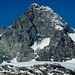 Großglockner Südwand. Links zieht der zackige Stüdlgrat direkt zum Gipfel.