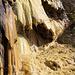 ... und bildet skurilste, triefenden Kalk-Formationen.