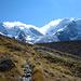 .. und dann kommt auch schon der Biancograt vom Piz Bernina ins Blickfeld - rechts Piz Roseg und Tschiervagletscher