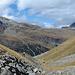 Blick zurück auf den Aufstiegsweg - auf der anderen Talseite die Fuorcla Surlej