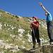 der kleine rote Bergfreund wird von Supermotta in die Route eingewiesen