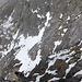 Eine alternative Aufstiegsmöglichkeit auf den Südgrat führt durch eine Kehle vom oberen Schneefeld von Westen her hoch und erreicht den Südgrat 100m südlich des Gipfels vom Chli Düssi (sah bei Schneelage mit Pickel/Steigeisen nicht allzu schlecht aus, wenn auch recht steil).