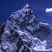 Der schön geschwungene Westgrat des Nuptse (7861m), gesehen vom Aussichtsberg Kala Pattar.