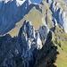 Alpinwandergipfel der besonders anspruchsvollen Sorte<br /><br />Edit 07.10.2012:  Die Besteigung dieser Gipfel erfordert wohl auch profunde Kletterkünste, wie ich einem [http://www.hikr.org/tour/post29367.html Bericht] von [u Delta] entnommen habe.