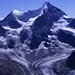 Obergabelhorn (4063m) und Wellenkuppe (3903m) vom Gipfel des Pigne de la Lé (3397m).