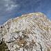 Unterwegs vom Maglić / Маглић zum Crnogorski Maglić / Црногорски Маглић - Rückblick in Richtung Maglić-Gipfel. Der Weg verläuft im vorderen Teil übrigens nicht direkt auf dem halbwegs ausgebildeten Grat, sondern etwas unterhalb (links, verdeckt).