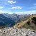 Oeschinesee und Kandersteg. Îm Hintergrund Wildstrubel und Wildhorn.