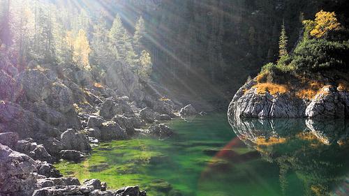 Die Herbstfeen mögen uns ☺ - sie zeigen uns den See in dem mystischen Licht, in dem ich ihn mir immer vorgestellt habe !