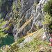 Wir steigen am nordwestlichen Ende des Sees hinauf, da wir die längere Variante über den Nordhang des Seekogels gehen wollen, und nicht durch den Graben zwischen Seekogel und Kleinem Brandstein..