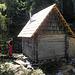 """Am Ort der ehemaligen """"Bergbaueralm"""" steht heute eine kleine Jagdhütte, weitab von allen Forststraßen und jeder Zivilisation."""