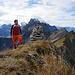 Obligates Selbstauslöser Gipfelfoto, am Himmel viele FA18 die Anlauf holen um über die Axalp zu donnern…