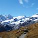 Hüttenweg mit der Gletscherwelt des Val Roseg