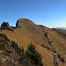 Der Tierberg vom Bockmattlipass aus gesehen. Auch diese Foto wird der Steilheit dieser Wiesenplatte da nicht gerecht.