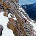 Auf der Suche der optimalen Route in den Gipfelfelsen.