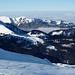 Drei Skispuren im Traumpulver auf dem Wart vor der Speer-Kette