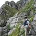Adi im Aufstieg über den gut markierten Wanderweg.