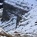 Foto von der zweiten Besteigung am 4./5.11.2012: <br /><br />Tiefblick bei der Lücke P.2117m in den Steilhang über den man den Furggengütsch Westgratrücken erreicht.