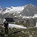 Tobias an der Albigna-Hütte am Morgen des dritten Tages.