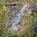 Idyll am Weg - ein kleiner Wasserfall