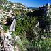 Aufstieg zum Mont Bastide. Los geht's am vorderen Ende des Viaduktes.