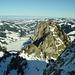 Spitze Flue, links der zugefrorene Schwarzsee