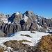 Am Gipfel, die schönste Aussicht auf die Mürtschenstöcke, dieses faszinierende, komplizierte Berggebilde.