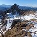 Weidekuppe ganz im Osten der Oberwis. Weiter geht's über die Weide zum Oberwis-Chopf und über den scharfen Grat zum Lütispitz.
