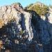 Bergwanderweg Gmeinenwis-Neuenalpspitz: die Schlüsselstelle (T4) führt gerade über den Felskopf.