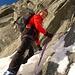 ein violettes Seil markiert den Einstieg zur Kletterstelle