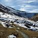 Blick zurück auf die schneebedeckten nördlichen Berghänge.