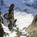 Rückblick in ebendiese steile Rinne vom SE Grat