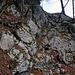 Felsige stufe gesichert mit Drahtseil