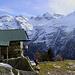 posizione dominante e spettacolare  Le montagne dietro dovrebbero  essere la cima di Piancrabella ed il pizzo di Campedel