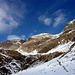 Verso nord, al centro della foto si intuisce il sentiero che porta verso il rigugio Pian Grand, oppure verso il Pass di Passit (alta via calanca)
