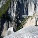 Nur schauen, nicht rüberhangeln – die Seile führen zu einem eindrücklichen Felsturm