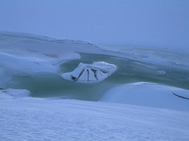 kleiner Eisberg im Grimselsee