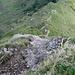 Tiefblick ! Der Kletterweg führt über das Nagefluhgestein meist vertikal nach oben