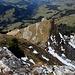 von der Einsattelung her sind wir, nach dem kurzen Abstecher zum vorgelagerten Gipfel, heraufgestiegen