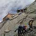 Oberaarjochhütte - 3256 m. --- rechts der Hüttenzustieg