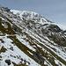 Der Weiterweg von der Katinalm zur Sajathütte quert die steilen Südhänge, in denen immer wieder Schneerutsche über die Trasse fegten.