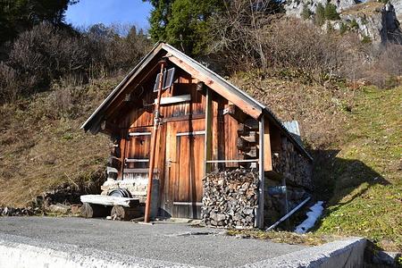 Erste Hütte bei Schwändisienen.
