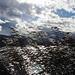 der Wind bläst unangenehm über den See